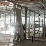 cleanrooms_highcare_01_holle_metalen_wanden