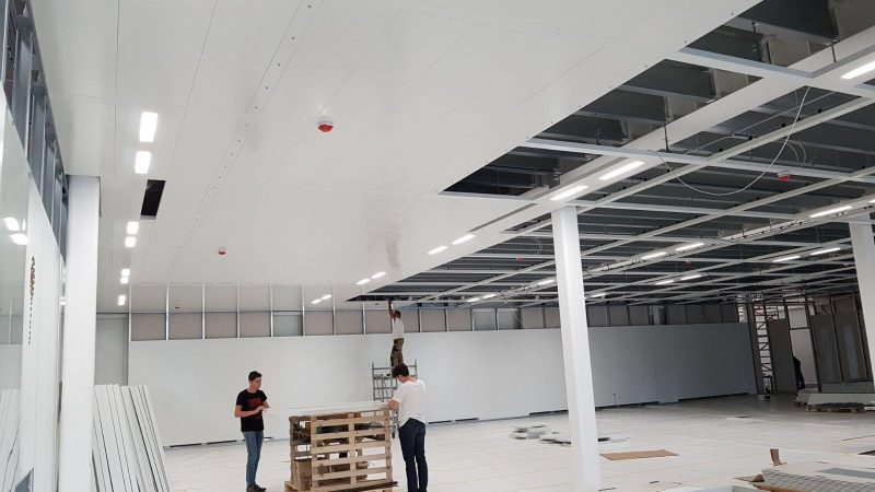 Beloopbaar of demontabel plafond