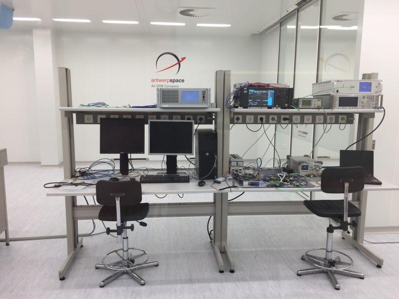 micro-elektronica in een cleanroom van Antwerp Space