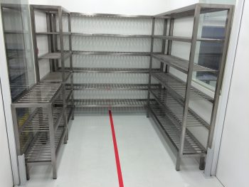 cleanroom iso flush opbergrek HIGHCARE Cleanrooms