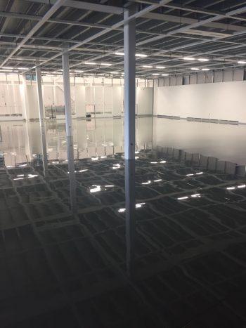 gmp cleanroom met esd antistatische vloerbedekking, geleidende laag